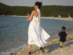 Susan skipping stones, Avlaki